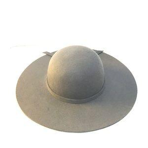 Grey felt floppy hat